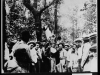 crowd-mills-around-lynching-leo-frank